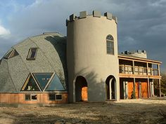 Is it a castle or is it a dome home? Monolithic Dome Homes, Geodesic Dome Homes, Eco Buildings, Unique Buildings, Sustainable Building Materials, Dome Structure, Round Building, Off Grid House, Dome Ceiling