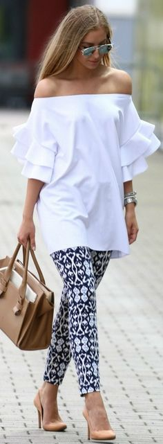 Luv the top Cool Outfits, Casual Outfits, Fashion Outfits, Womens Fashion, Fashion Tips, Fashion Trends, Printed Pants Outfits, Ruffle Top, Ruffles