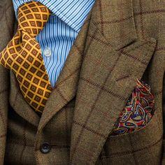 Classic style we are addicted to Gentleman Mode, Gentleman Style, Suit Fashion, Mens Fashion, Fashion Menswear, Tweed Run, Mode Costume, Suit Shirts, Elegant Man