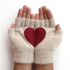 Fingerless Heart Gloves Beige