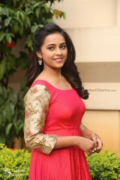 Sri Divya is an Indian film and television actress, who acts in Tamil and Telugu films. Beautiful Girl Indian, Most Beautiful Indian Actress, Beautiful Actresses, Beautiful Saree, Beautiful Women, South Indian Actress Photo, Indian Actress Photos, Hot Actresses, Indian Actresses