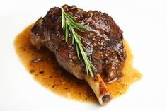 Learn how to cook lamb shanks for a great Easter dinner; for easy cooking place in Crock pot and let cook while you're doing other things. Greek Lamb Recipes, Best Lamb Recipes, Chef Recipes, Wine Recipes, Health Recipes, Dessert Recipes, Cooking Recipes, How To Cook Lamb, Braised Lamb Shanks