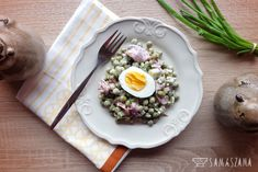 A salad with mayonnaise cannot be missing on the Easter table either. A quick and easy to prepare green peas salad is a perfect solution.