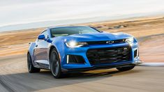 The new 2017 Chevrolet Camaro tops out at 198 mph. That makes it faster than the current Chevrolet Corvette It's slower than a Dodge Hellcat. Chevrolet Camaro Zl1 2017, Camaro 2018, Corvette, Cheap Sports Cars, Exotic Sports Cars, Sport Cars, Exotic Cars, Ferrari F40, Ferrari 2017