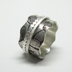 Dandelion Spinner Ring with Two Hammered Spinners