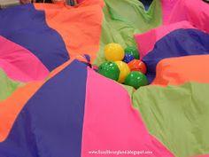 Parachute Games 2013 Edition from Lisa's Libraryland Gross Motor Activities, Movement Activities, Music Activities, Activities For Kids, Group Activities, Preschool Music, Toddler Preschool, Parachute Games For Kids, Parachute Songs