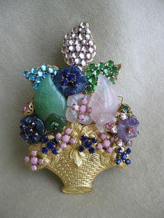 STANLEY+HAGLER+Jade+Rose+Quartz+Amethyst+Goldtone+Basket+of+Flowers+Brooch+Pin+#StanleyHagler