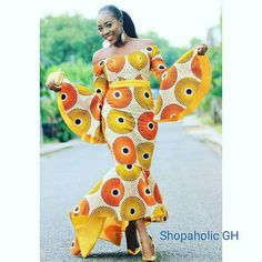 African print dress / African dresses / African mermaid dress / African clothing / Ankara mermaid dress / African print dress for womenWe Are Serving These Fitted-Flared Ankara Styles Dishes Hot! There are myriad of style options when it comes to fab African Prom Dresses, African Dresses For Women, African Attire, African Wear, African Women, African Fashion Ankara, Latest African Fashion Dresses, African Print Fashion, Mode Top