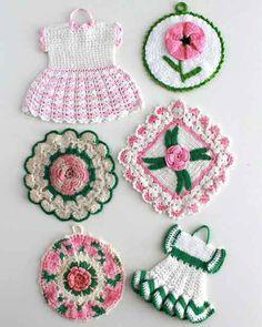 Picture of Vintage Pink Floral Potholder Crochet Patterns