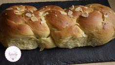 νηστίσιμο τσουρέκι Sweet Buns, Sweet Pie, Greek Recipes, Vegan Recipes, Muffin, Health Fitness, Bread, Cooking, Breakfast