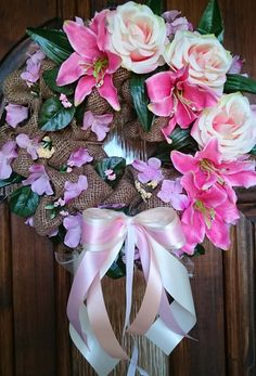 Jarně,+letně,+rustikálně..+Velký+věneček+s+jutou+a+látkovými+květinami,+průměr+35+cm.