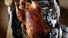 Absolutně dokonalý recept. Postup primitivní, ingredience zcela prosté, námaha minimální, avšak výsledek měkký, šťavnatý a na povrchu křupavý. Snack Recipes, Cooking Recipes, Snacks, Czech Recipes, Pork, Turkey, Meat, Czech Food, Snack Mix Recipes