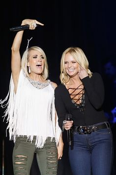 Miranda Lambert Photos Photos - Singers Carrie Underwood (L) and Miranda Lambert perform onstage at the ACM Party for a Cause Festival at the Las Vegas Festival Grounds on April 2016 in Las Vegas, Nevada. - ACM Party for a Cause Festival - Day 1 - Show Country Music Artists, Country Music Stars, Country Singers, Country Outfits, Country Girls, Rodeo Outfits, Concert Outfits, Miranda Lambert Photos, Miranda Lambert Hair
