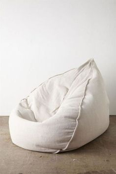 A bean bag chair is truly perfect chair design for you who need to have… Modern Bean Bag Chairs, Modern Bean Bags, Ikea Chair, Diy Chair, Swivel Chair, Bean Bag Lounge Chair, Bin Bag Chair, Bean Bag Living Room, Bean Bag Design