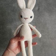 Educational and interesting ideas about amigurumi, crochet tutorials are here. Crochet Crafts, Crochet Yarn, Crochet Toys, Crochet Projects, Doll Amigurumi Free Pattern, Amigurumi Doll, Crochet Hat Tutorial, Crochet Tutorials, Crochet Bunny