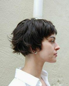 35 Short Haircuts for Thick Hair – Hair Styles Short Layered Haircuts, Short Wavy Haircuts, Corte Y Color, Girl Haircuts, Hipster Haircuts, Short Hair Cuts For Women, Short Cuts, Great Hair, Hair Today