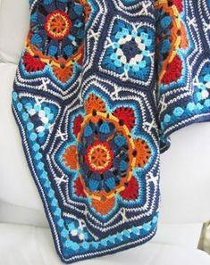 Sizlere çok güzel bir battaniye modeli buldum. 8 kenardan oluşuyor. İki farklı motifi bir araya getirerek çok güzel bebek battaniyesi modeli yapıyorsunuz.