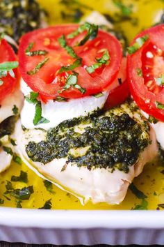 Basil Pesto Tomato Mozzarella Chicken Bake - low carb and gluten-free recipe. It's easy to make, and only one pan is needed. Just pile all the ingredients on top of the chicken breasts in a Chicken Breast Recipes Dinners, Chicken Recipes Video, Healthy Chicken Recipes, Turkey Recipes, Paleo Recipes, Cooking Recipes, Dinner Recipes, Baked Caprese Chicken, Mozzarella Chicken