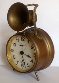 Rare German alarm clock executed by Pfeilkreuz circa 1910.