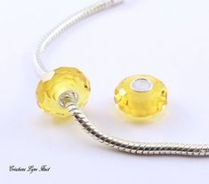 2 Perles Européennes à facette en verre de Murano - Noyau en argent Sterling 925- S'adapte à tous les bracelets Européens ( C-174 ) Argent Sterling, Pearl Necklace, Bracelets, Etsy, Jewelry, Murano Glass, Veneers Teeth, Handmade Gifts, Beads
