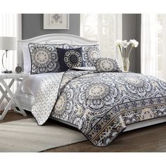 Talila Ornate Floral 5-piece Reversible Quilt | Overstock.com Shopping - The Best Deals on Quilts