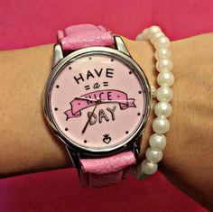 """""""Feliz con mi nuevo reloj de @todomodaoficial. Re girly y super positivo. Have a…"""