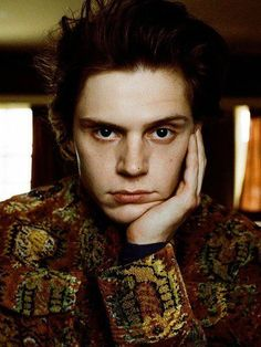 The Hypnotic, Mysterious Essence of Evan Peters. Evan Peters, Funny People Movie, Funny Movies, Comic Movies, Comic Books, Ahs, Pop Up Shop, Funny Books For Kids, Funny Kids