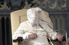 O pior inimigo do Papa é o vento