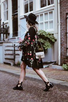 billie-rose-blog-outfit-fashion-blogger-balenciaga-boots-amsterdam-streetsyle (5…