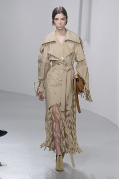 Loewe Spring 2018 Ready-to-Wear  Fashion Show Collection