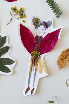 Drawing with nature! Make these fairy nature collages with leaves, sticks, berries, and flower buds. Nature fairies | fall art activities