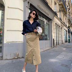 Image may contain: 1 person, standing, shoes and outdoor Japan Fashion, Paris Fashion, Spring Fashion, Autumn Fashion, Women's Fashion Dresses, Skirt Fashion, Business Casual Attire, Workwear Fashion, Minimal Fashion