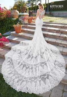 Kitty Chen Couture Rihanna Wedding Dress The post Kitty Chen Couture Rihanna Wedding Dress appeared first on ThealiceOnline. Wedding Dress Brands, Wedding Dress Sizes, Bridal Wedding Dresses, Rihanna, Embellished Wedding Gowns, Beautiful Wedding Gowns, Romantic Weddings, Bridal Collection, Chen