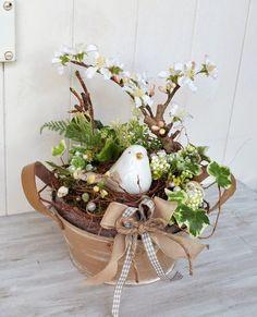 Kouzelné velikonoční dekorace na stůl, které si vytvoříte jednoduše z pohodlí domova! Skvělá inspirace, kterou si zamilujete! | Prima Easter Flowers, Fake Flowers, Dried Flowers, Deco Floral, Arte Floral, Bird Nest Craft, Easter Printables, Hoppy Easter, Easter Party