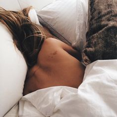 Photo August 22 2019 at Crop Tops Inspiration Etsy Jeans All Black Jackets Simple Olivia Palermo Girls Heels Articles Hair Colors Classy New York Lazy Morning, Easy Like Sunday Morning, Lazy Sunday, Lazy Days, One Photo, Chill Pill, Stay In Bed, Bed Head, Poses
