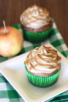 Sarah Bakes Gluten Free Treats: gluten free vegan caramel apple cupcakes plus other great recipes Healthy Vegan Dessert, Cake Vegan, Vegan Treats, Vegan Desserts, Breakfast Healthy, Baking Desserts, Health Desserts, Gluten Free Cupcakes, Gluten Free Sweets