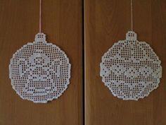 Zawieszki bombki Crochet Snowflake Pattern, Crochet Doily Diagram, Filet Crochet Charts, Crochet Stars, Crochet Snowflakes, Crochet Doilies, Crochet Patterns, Crochet Christmas Decorations, Crochet Ornaments