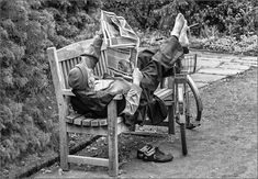 Newspaper reader in the park by Herbert A. Read Newspaper, World's Biggest, Smart People, Serenity, Photo Galleries, Park, Reading, Pictures, Photos