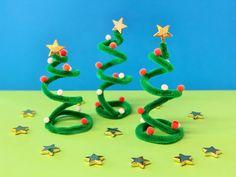 Mit leichten, schnellen und dennoch wirkungsvollen DIY-Ideen wird das Weihnachtsbasteln zu einem schönen Familienritual. Wir verraten euch drei Bastel-Hits, die ihr auch mit kleinen Kindern mit wenig Material und ohne Bastelvorkenntnisse einfach und schnell erfolgreich umsetzen könnt. #Weihnachtsbasteln #Felicitas #Weihnachtsbäumchen #DieAngelones