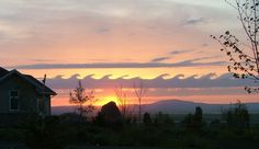 lovely colours.  A kelvin-helmholtz formation over Grangeville, Idaho, US.  © John Bennett    http://cloudappreciationsociety.org/cloud-tags/kelvin-helmholtz/#p=1=cloud106=12
