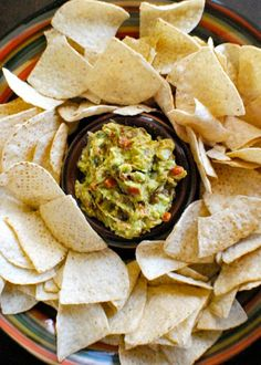 Put a spin on classic game-day party food with this Bacon and Sun-dried Tomato Guacamole recipe. With roasted peppers and other flavorful ingredients, this dip is great served with Town House Sea Salt Pretzel Thins!