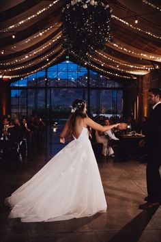 Rustic Antique Arizona Wedding at The Paseo Junebug Weddings Rustic Antique Arizona Wedding at The Paseo Junebug WeddingsHochzeit The couple shares their first dance at this rusticinspired reception Image by Alayna. Wedding Goals, Wedding Day, Wedding Hacks, Wedding Planning, Wedding Rustic, Diy Wedding, Wedding Makeup, Wedding First Dance, Cake Wedding
