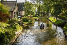 The village without roads - Venice of the Netherlands - Giethoorn Holland's is Europe's biggest uninterrupted garden