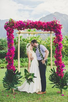 Colourful Hawaiian Wedding | Maui Maka Photography | Bridal Musings Wedding Blog