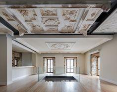 Gallery of XVIII Emblazoned House Refurbishment / Marcos Miguélez - 1