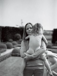 Stella McCartney    (vogue pic. by Bruce Weber)