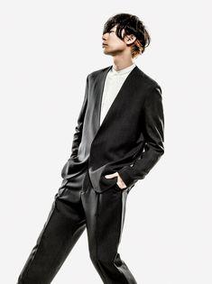 [Alexandros]Yoohei Kawakami 2015/5/15 余計なものなどないよね「GQ JAPAN」 川上洋平  vocal&guitar 座右の銘 / 肉体は衰えても魂は輝き続ける ファッションのこだわり / 自分の身体に合ったものを着る
