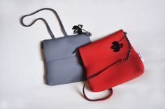 POSTINO XL in Grey and Red