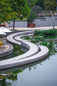 Great edging idea that create boundary.