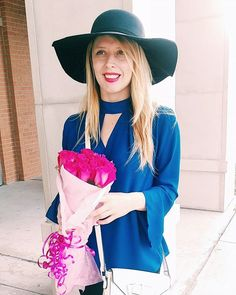 Saturday 💙💕 #weekendmoments #ootd #wiw #houstonblogger #flowers